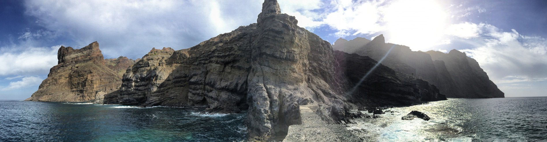 View from an abandoned jetty back to La Gomera