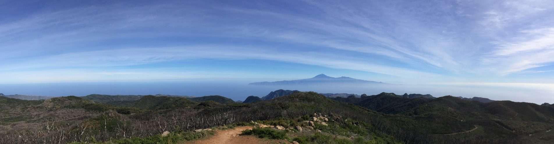 Vista a la vecina isla de Tenerife con el Teide