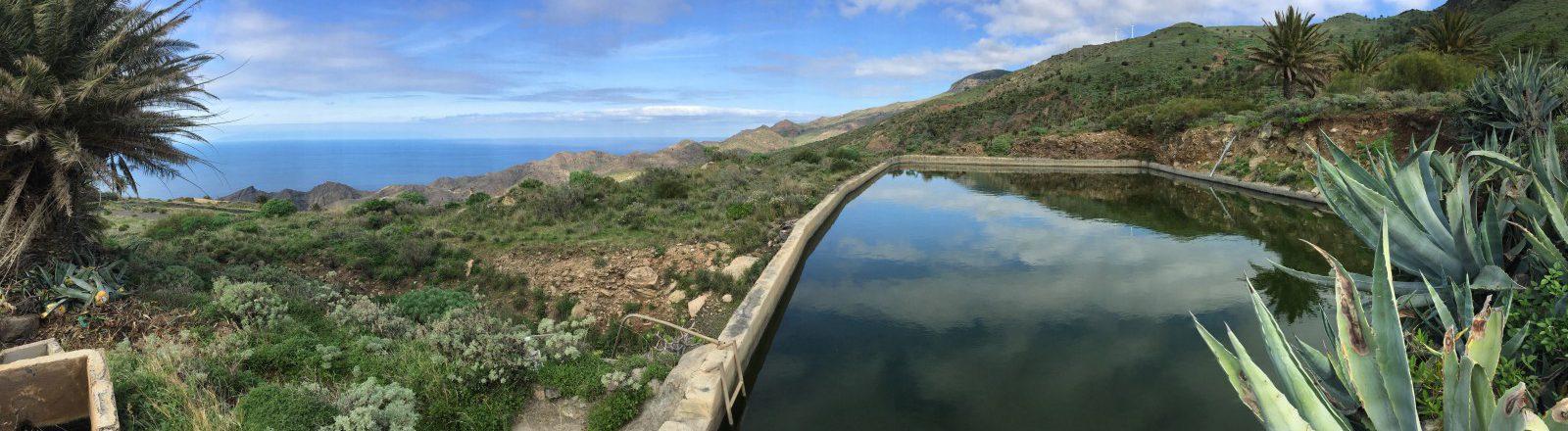 Una de las numerosas piscinas de Alojera.