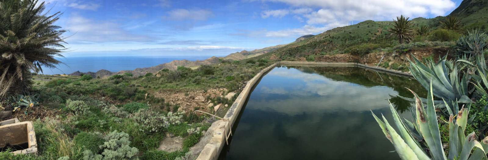 Eines der zahlreichen Wasserbecken bei Alojera